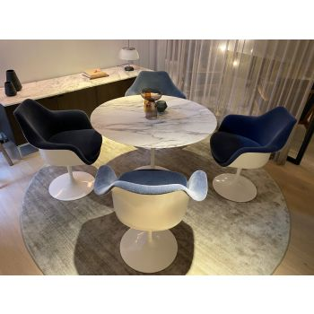 Ausstellungsstück: Saarinen Esszimmer Set
